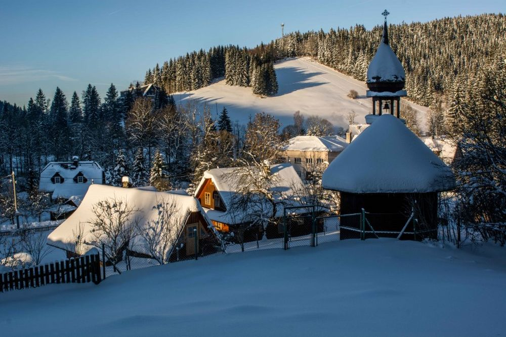 Zažite zimu s lyžovaním a špičkovým wellnes v Beskydách, foto 2