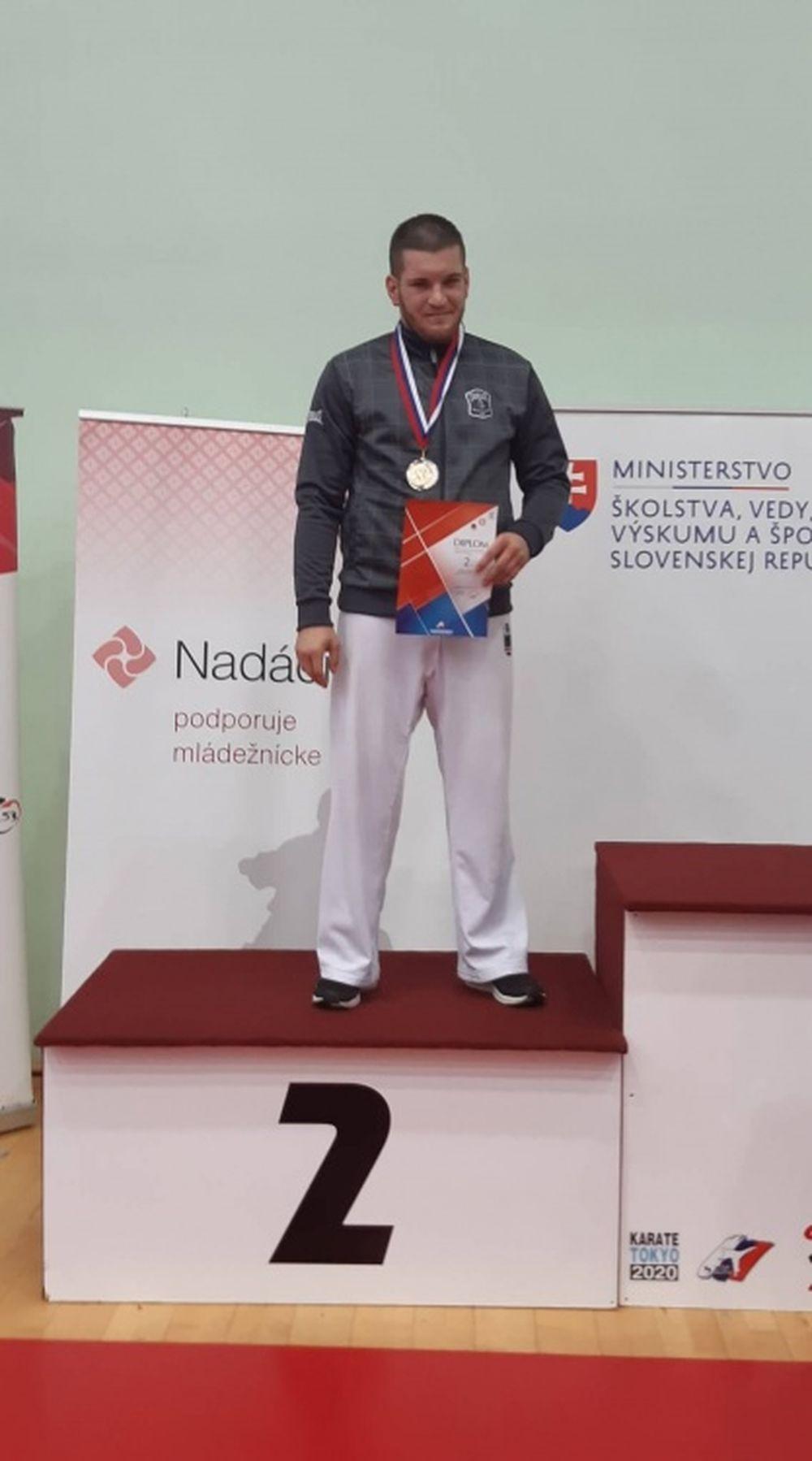 Žilinskí karatisti obhájili tituly majstrov SR a nestratili sa ani na svetovom pohári v Salzburgu, foto 4