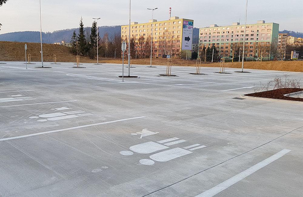 FOTO: Nové parkovisko pri predajni Kaufland a poliklinike ŽILPO bolo otvorené, foto 1