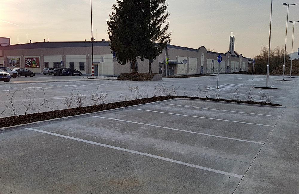 FOTO: Nové parkovisko pri predajni Kaufland a poliklinike ŽILPO bolo otvorené, foto 6