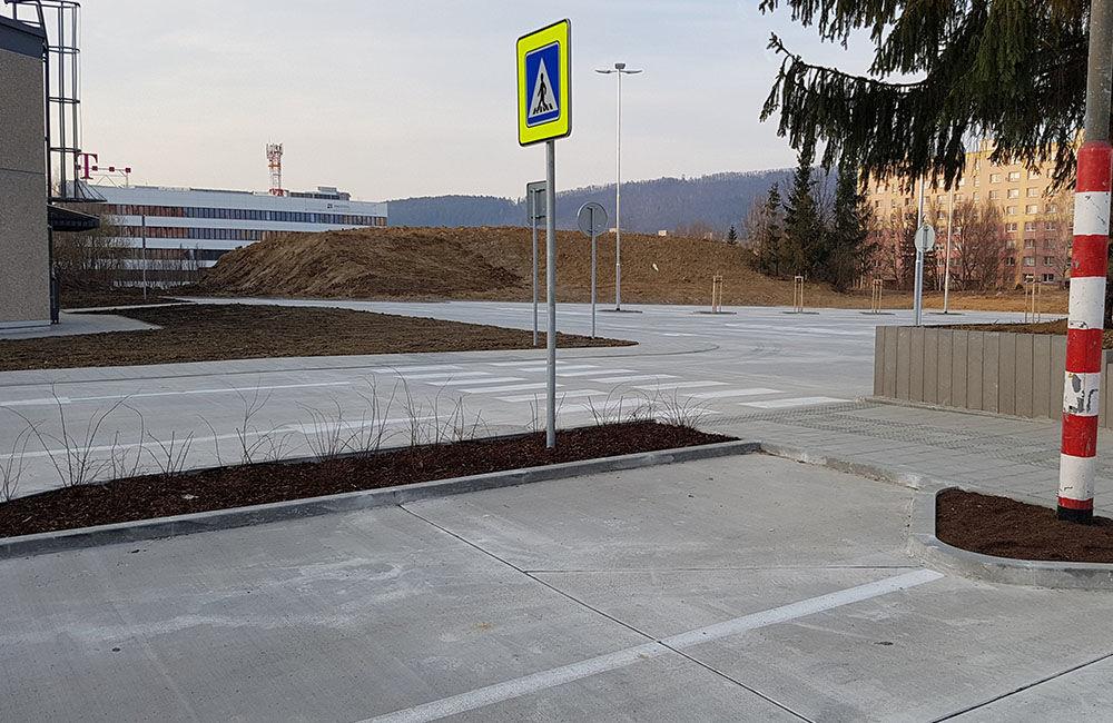 FOTO: Nové parkovisko pri predajni Kaufland a poliklinike ŽILPO bolo otvorené, foto 8