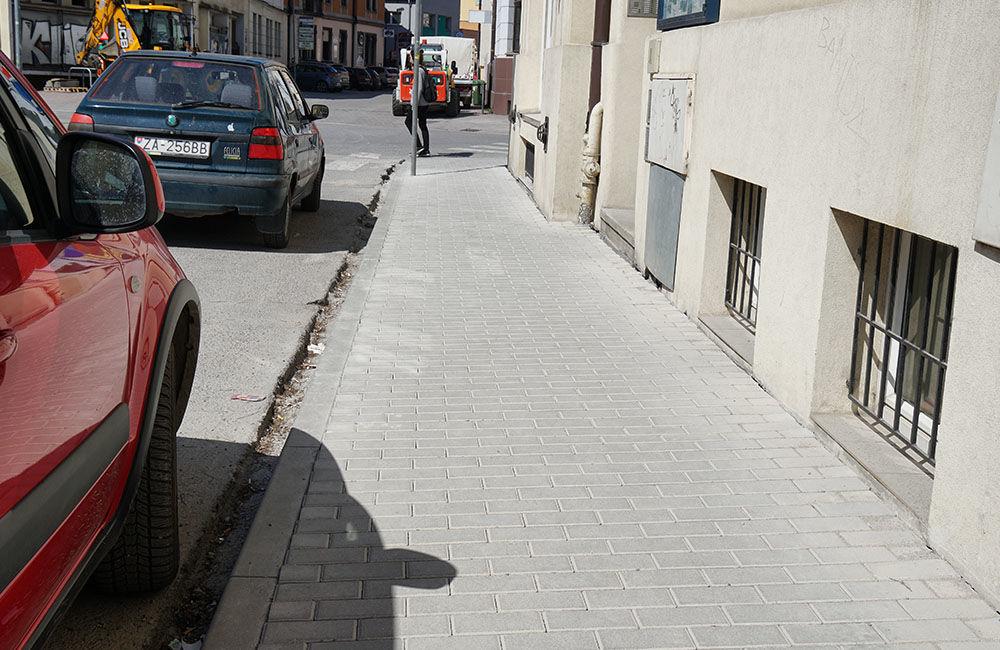FOTO: V centre mesta rekonštruujú chodníky, povrchová úprava je zo zámkovej dlažby, foto 8