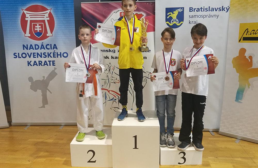 Úspechy mladých žilinských karatistov v apríli 2019, foto 1