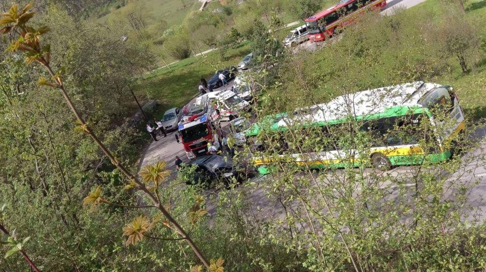 Dopravná nehoda pod sídliskom Žilina - Hájik 25.4.2019, foto 1