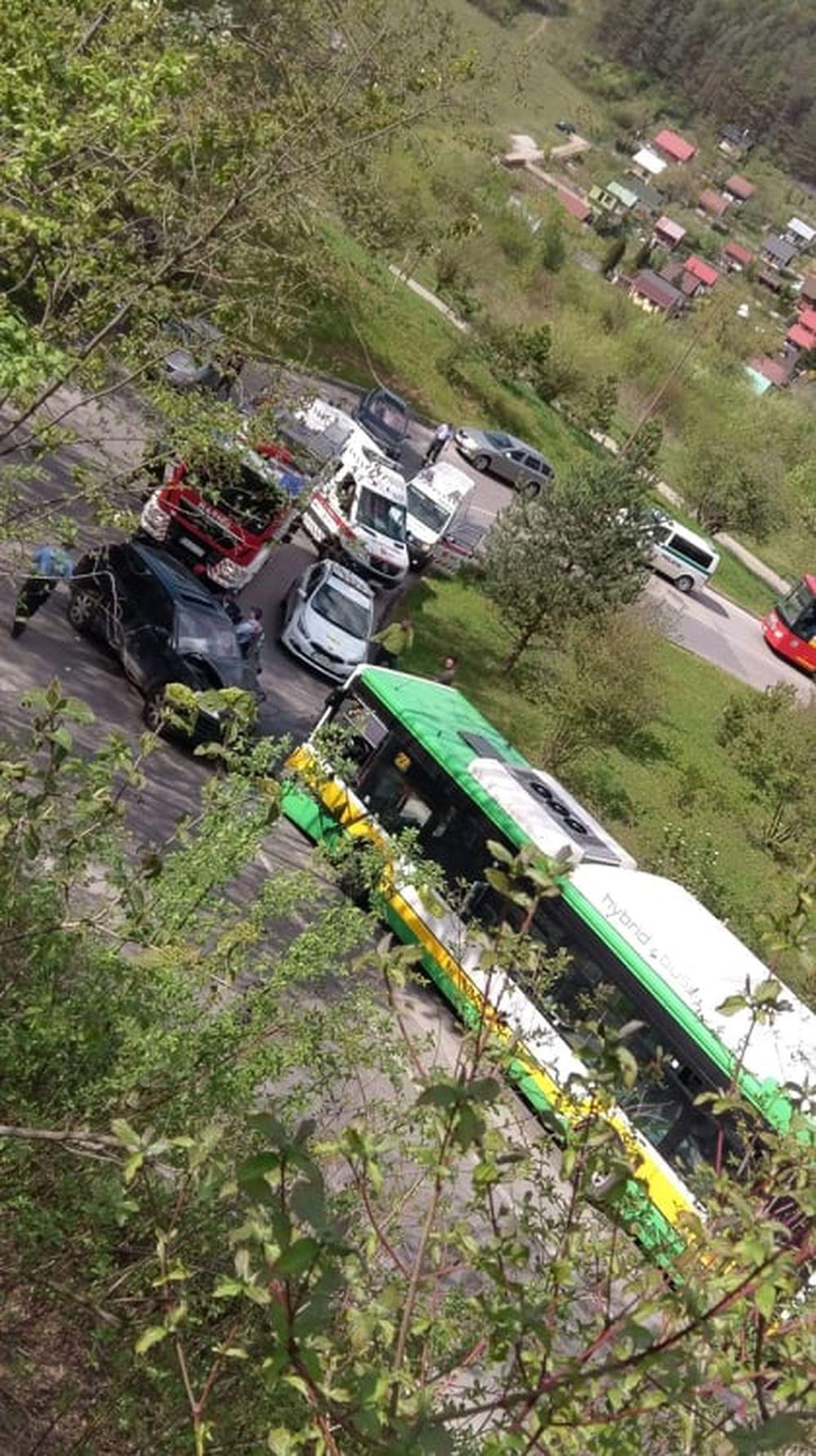 Dopravná nehoda pod sídliskom Žilina - Hájik 25.4.2019, foto 2
