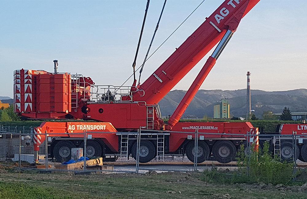 Najväčší mobilný žeriav v Čechách a na Slovensku pracuje v Žiline, foto 2