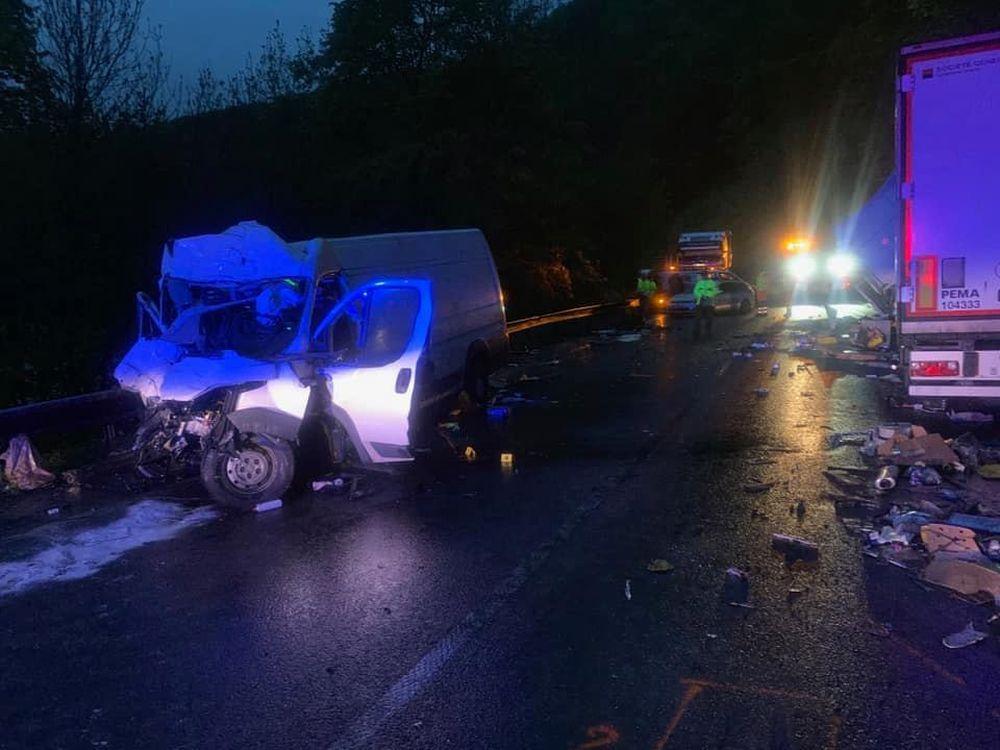 Dopravná nehoda na ceste I/18 v katastri obce Strečno 15.mája 2019, foto 2