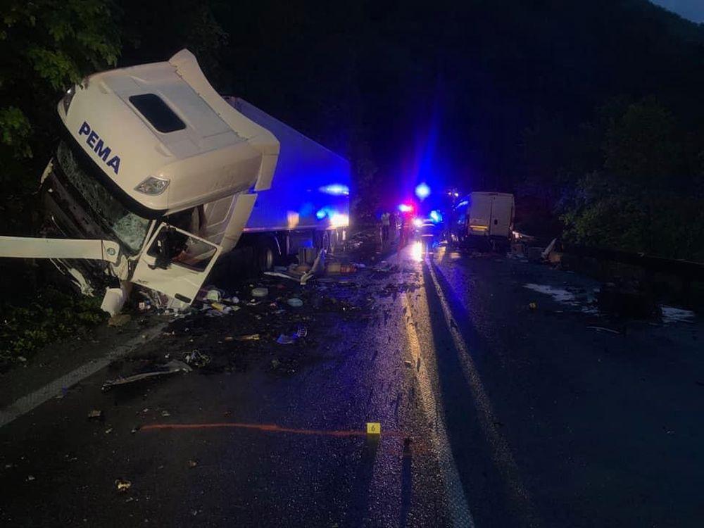 Dopravná nehoda na ceste I/18 v katastri obce Strečno 15.mája 2019, foto 3