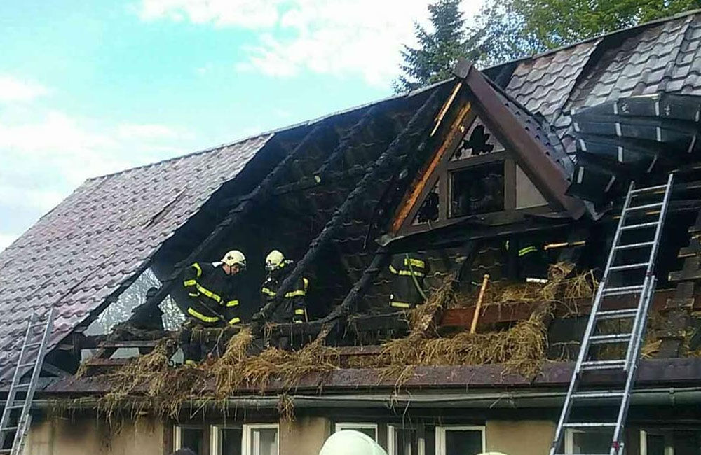 Požiar rodinného domu a prístavby v katastri obce Skalité 18.5.2019, foto 5