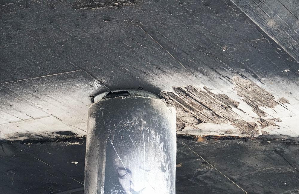 Nočný požiar poškodil kultúrny priestor aj kruhový nadjazd Rondel, foto 4