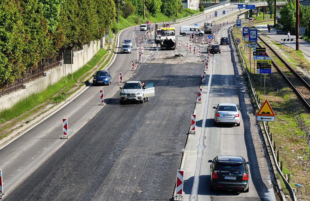 FOTO: Slovenská správa ciest urýchľuje rekonštrukciu cesty pod Rondlom, asfaltuje sa už od rána, foto 3