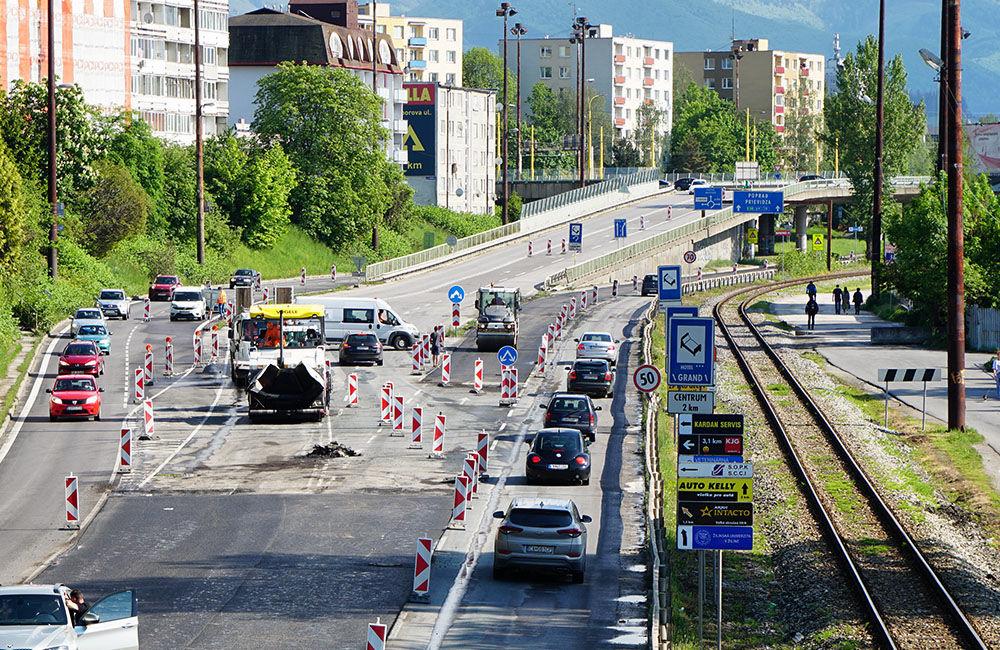 FOTO: Slovenská správa ciest urýchľuje rekonštrukciu cesty pod Rondlom, asfaltuje sa už od rána, foto 2