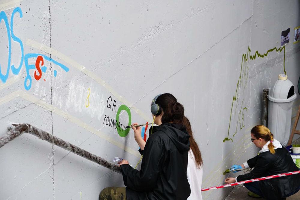 FOTO: Študenti už začali s maľovaním druhej strany Bernoláčky, zároveň opravili prvú, foto 5
