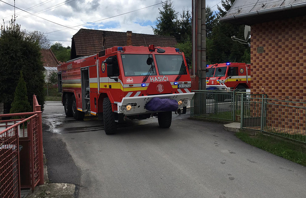 Požiar drevenice v obci Bitarová pri Žiline 20.5.2019, foto 1