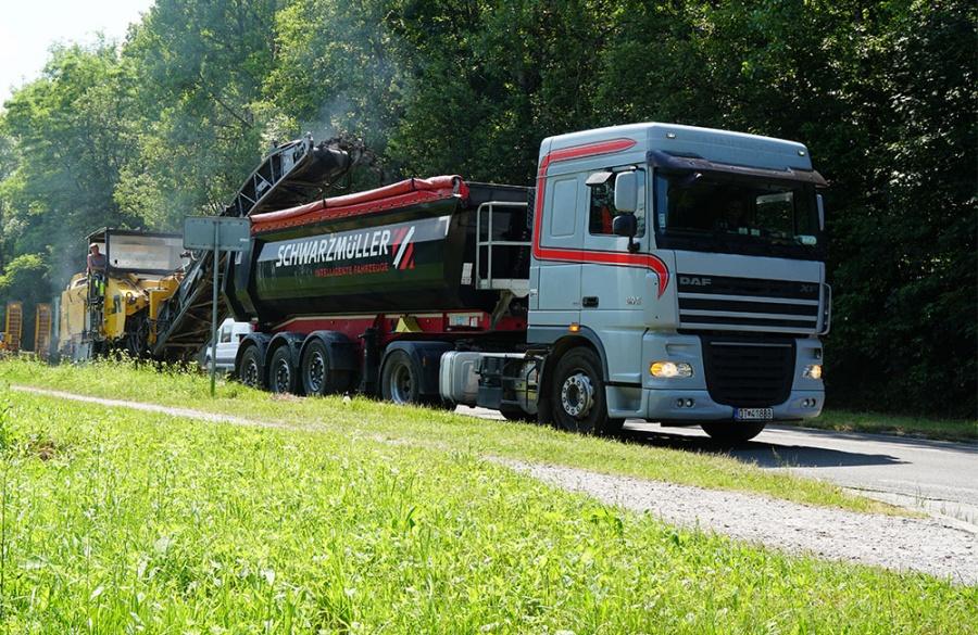 Rekonštrukcia asfaltového krytu vozovky na Rosinskej ceste v Žiline, foto 5