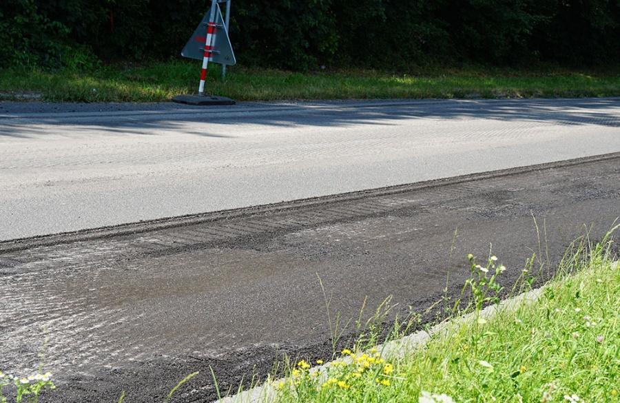 Rekonštrukcia asfaltového krytu vozovky na Rosinskej ceste v Žiline, foto 6