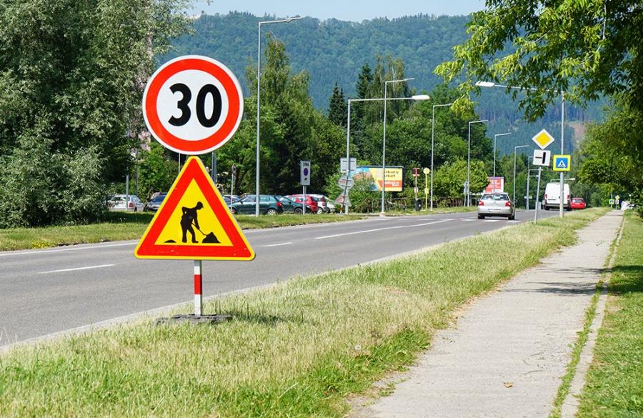 Rekonštrukcia asfaltového krytu vozovky na Rosinskej ceste v Žiline, foto 8