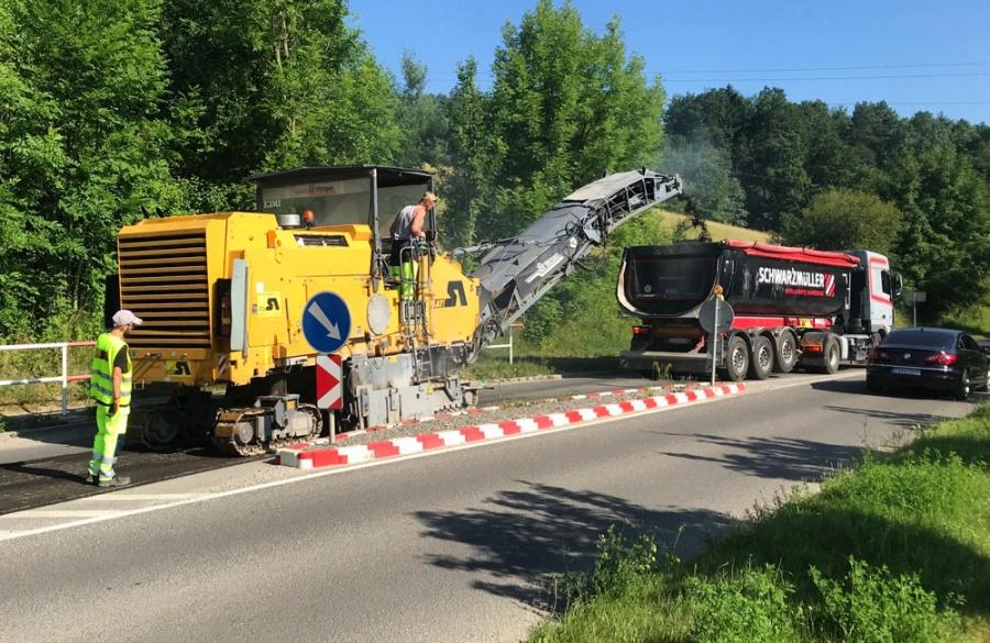 Rekonštrukcia asfaltového krytu vozovky na Rosinskej ceste v Žiline, foto 10