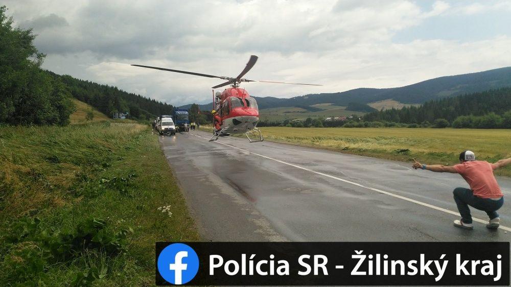 AKTUÁLNE: Pri Námestove došlo k vážnej nehode dodávky a nákladného auta, foto 5