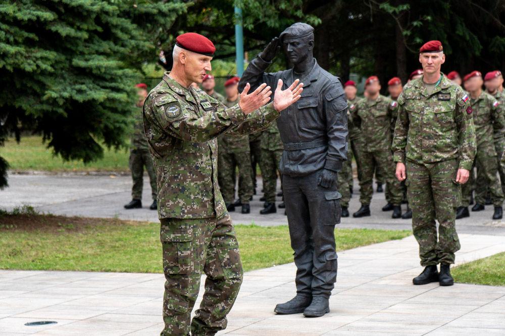 FOTO: Výmena veliteľa 5. pluku špeciálneho určenia v Žiline, foto 32