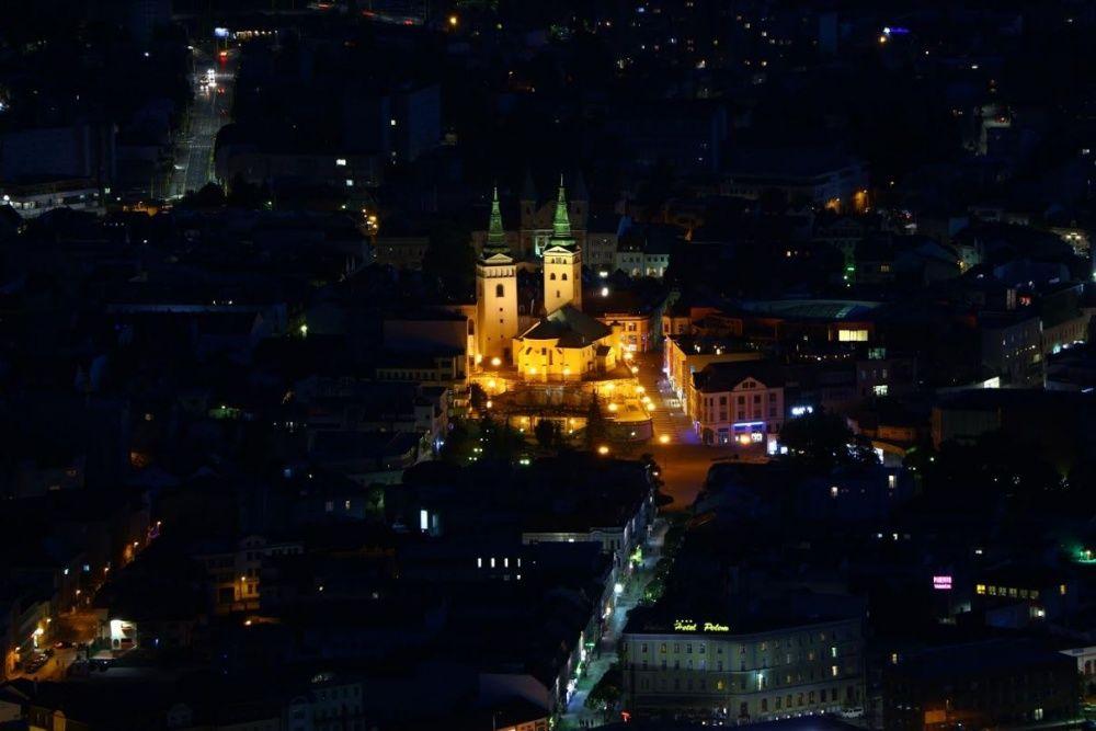 FOTO: Nočné zábery Žiliny z vyhliadky na Dubni, foto 2