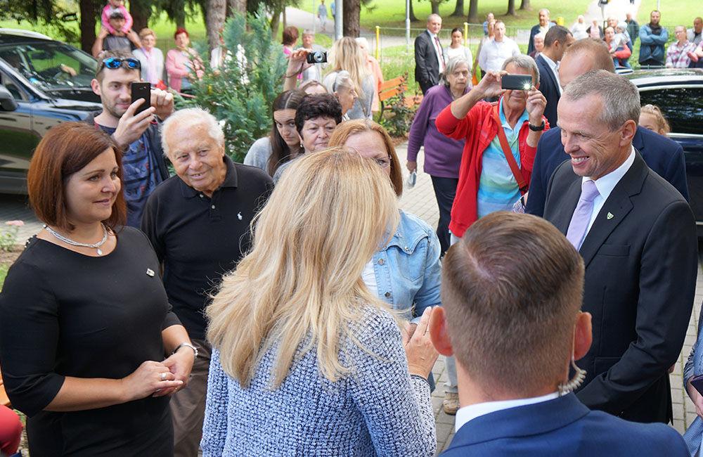 FOTO: Návšteva prezidentky SR Zuzany Čaputovej v Žiline - Denné centrum a Denný stacionár Vlčince, foto 6