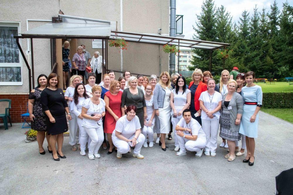 FOTO: Návšteva prezidentky SR Zuzany Čaputovej v Žiline - Denné centrum a Denný stacionár Vlčince, foto 11