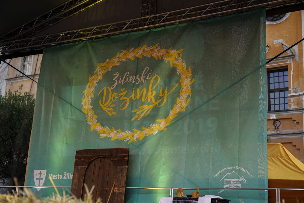 FOTO: Na Mariánskom námestí v Žiline prebiehajú Žilinské Dožinky 2019, foto 1