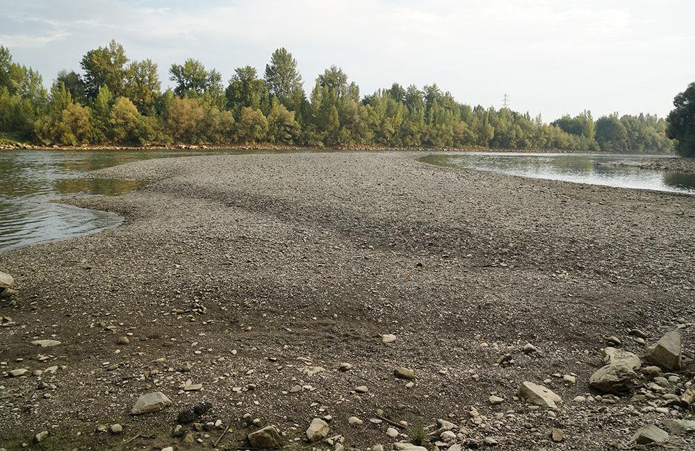 FOTO: Vypustený derivačný kanál Hričov - Mikšová - Považská Bystrica, foto 2