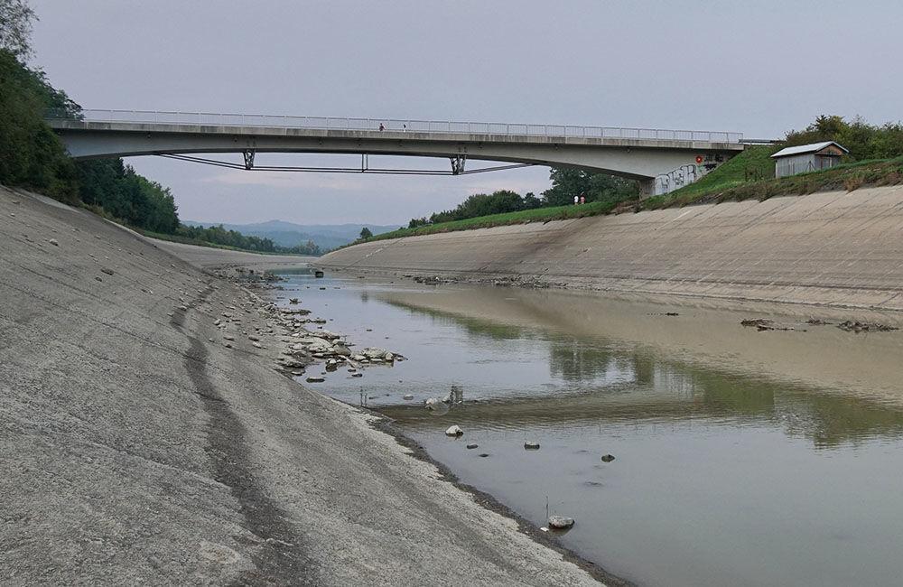 FOTO: Vypustený derivačný kanál Hričov - Mikšová - Považská Bystrica, foto 1