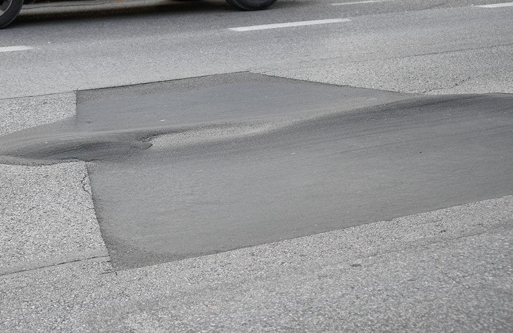 FOTO: Ulica 1. mája v Žiline sa na viacerých miestach postupne prepadáva, foto 4