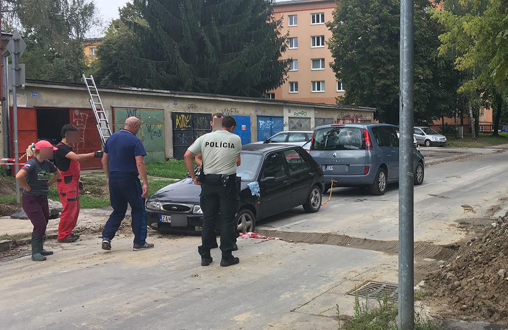 AKTUÁLNE: Vo výkopoch na sídlisku Hliny si ľudia poškodzujú vozidlá, zvýšte opatrnosť, foto 9