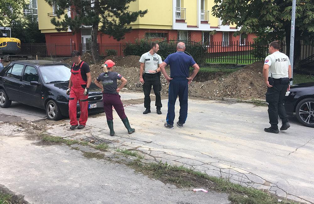 AKTUÁLNE: Vo výkopoch na sídlisku Hliny si ľudia poškodzujú vozidlá, zvýšte opatrnosť