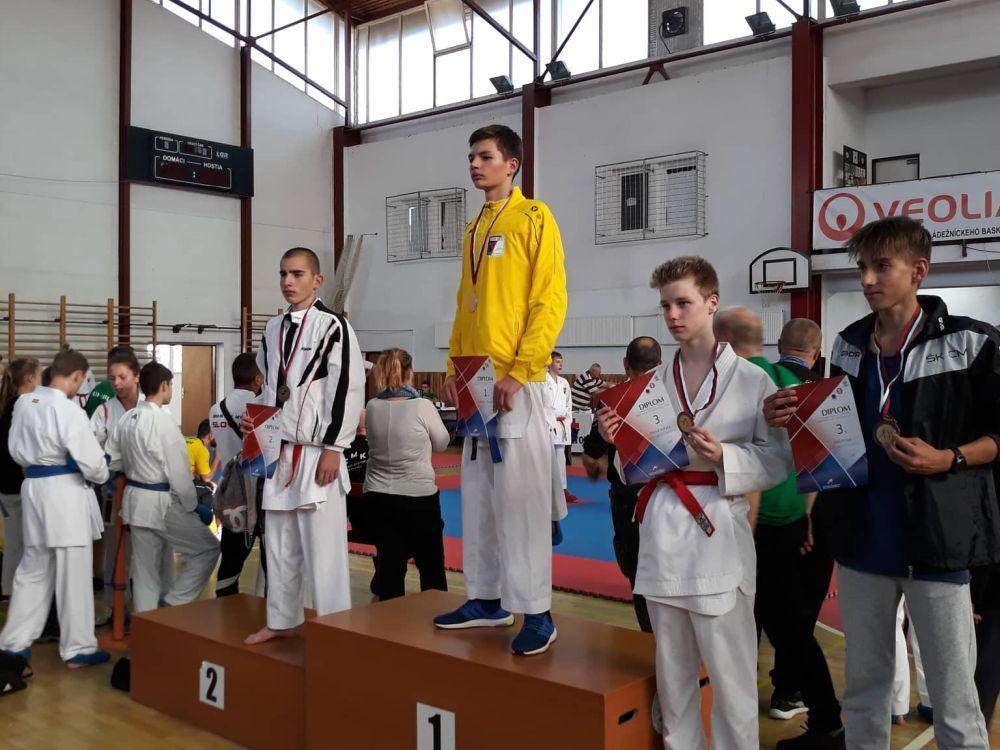 Úspechy žilinčanov na 1. kole slovenského pohára dorastencov a juniorov v karate v Košiciach, foto 1