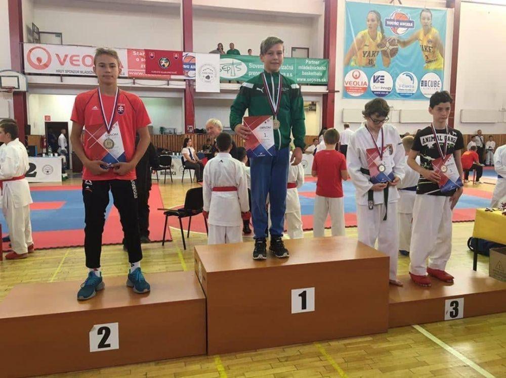Úspechy žilinčanov na 1. kole slovenského pohára dorastencov a juniorov v karate v Košiciach, foto 2