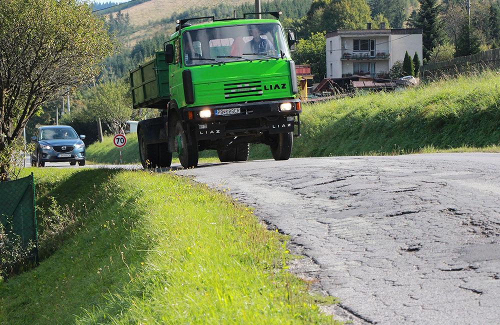 FOTO: Poškodenú cestu v úseku Turzovka - Semeteš začali opravovať, foto 1