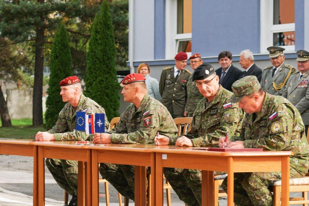 FOTO: Slávnostný akt prepodriadenia útvarov do pôsobnosti veliteľstva Síl pre špeciálne operácie, foto 26