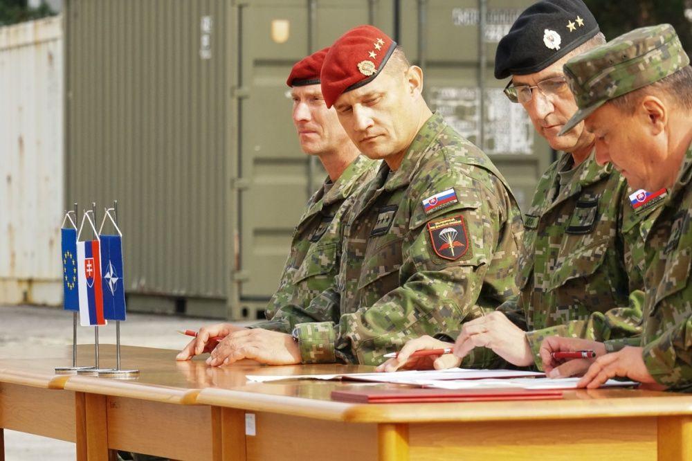 FOTO: Slávnostný akt prepodriadenia útvarov do pôsobnosti veliteľstva Síl pre špeciálne operácie, foto 1