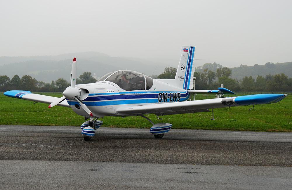 Žilinská univerzita má dve najmodernejšie lietadlá Zlín Z-242L, foto 3