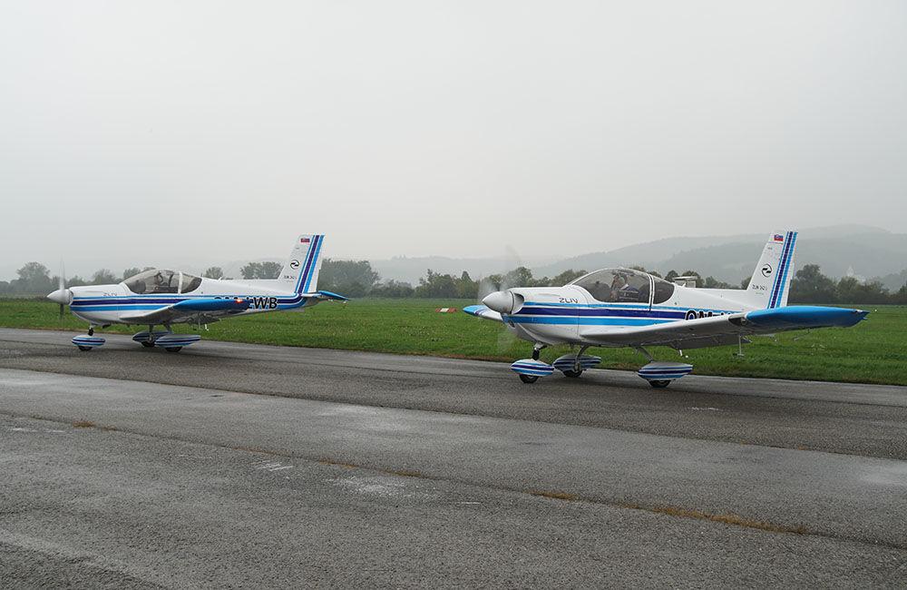 Žilinská univerzita má dve najmodernejšie lietadlá Zlín Z-242L, foto 1