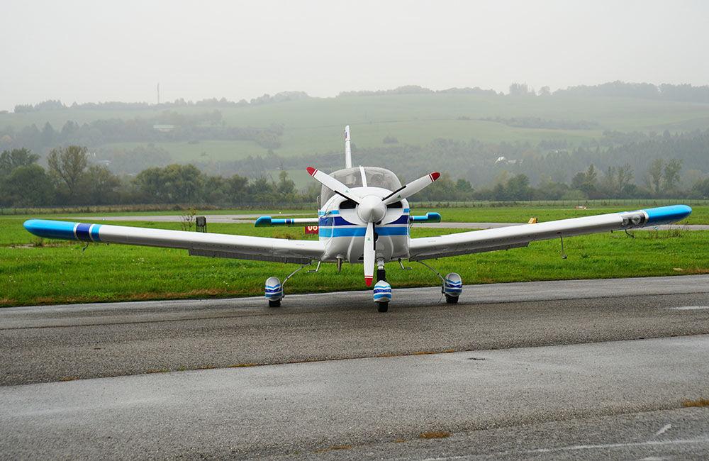 Žilinská univerzita má dve najmodernejšie lietadlá Zlín Z-242L, foto 6