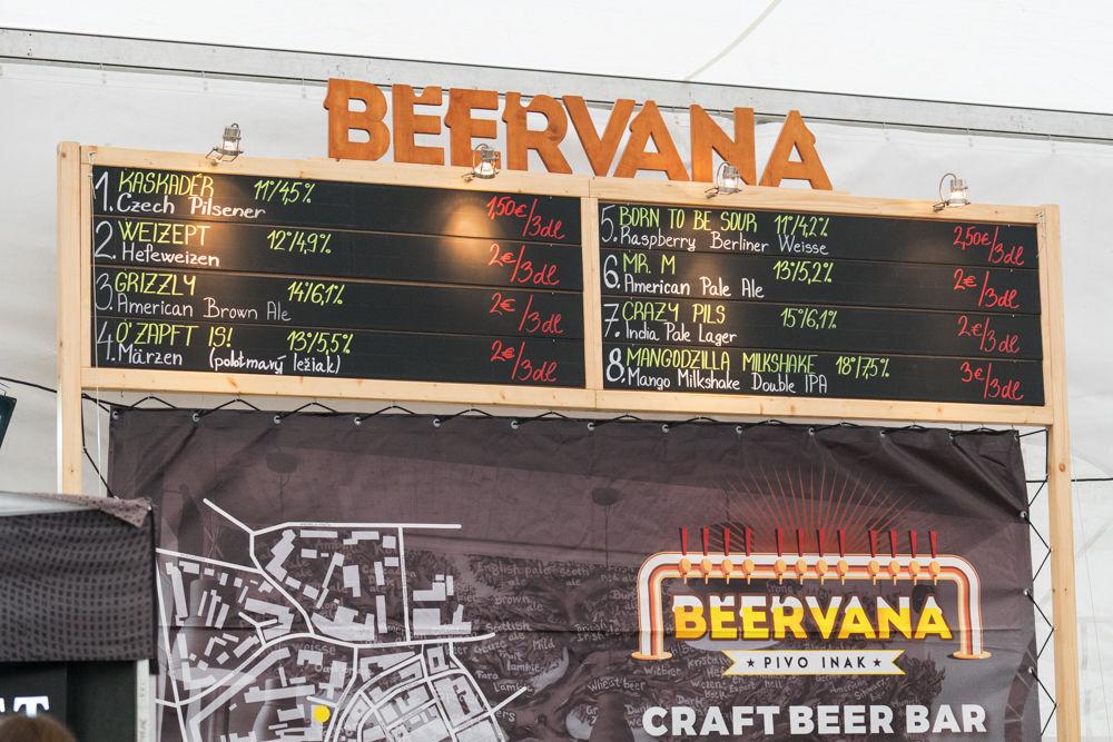 FOTO: Festival remeselného piva BEER FEST vo vyhrievanom stane na Poštovej, foto 8