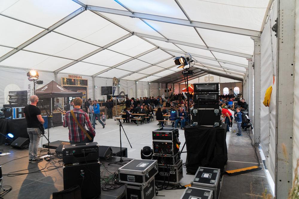FOTO: Festival remeselného piva BEER FEST vo vyhrievanom stane na Poštovej, foto 23