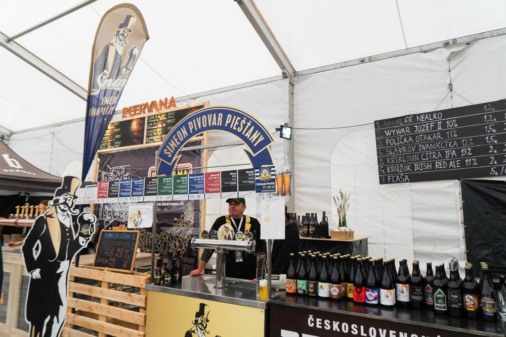 FOTO: Festival remeselného piva BEER FEST vo vyhrievanom stane na Poštovej, foto 9