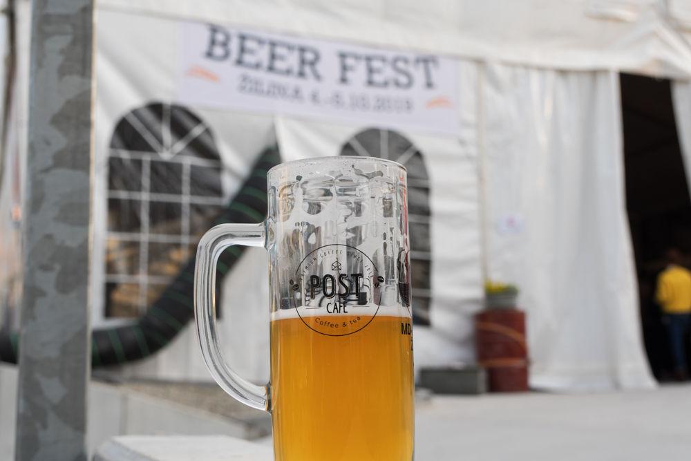 FOTO: Festival remeselného piva BEER FEST vo vyhrievanom stane na Poštovej, foto 26