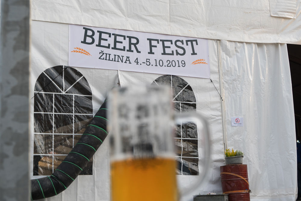 FOTO: Festival remeselného piva BEER FEST vo vyhrievanom stane na Poštovej, foto 27