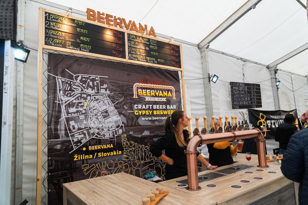 FOTO: Festival remeselného piva BEER FEST vo vyhrievanom stane na Poštovej, foto 7
