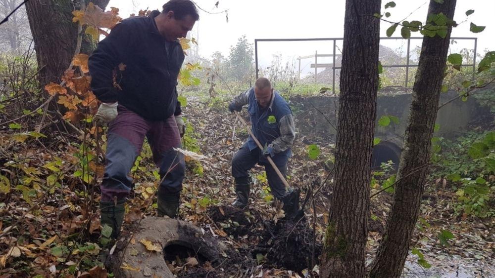FOTO: Dobrovoľníci opäť vyčistili Čížov jarok v žilinskom lesoparku, foto 3