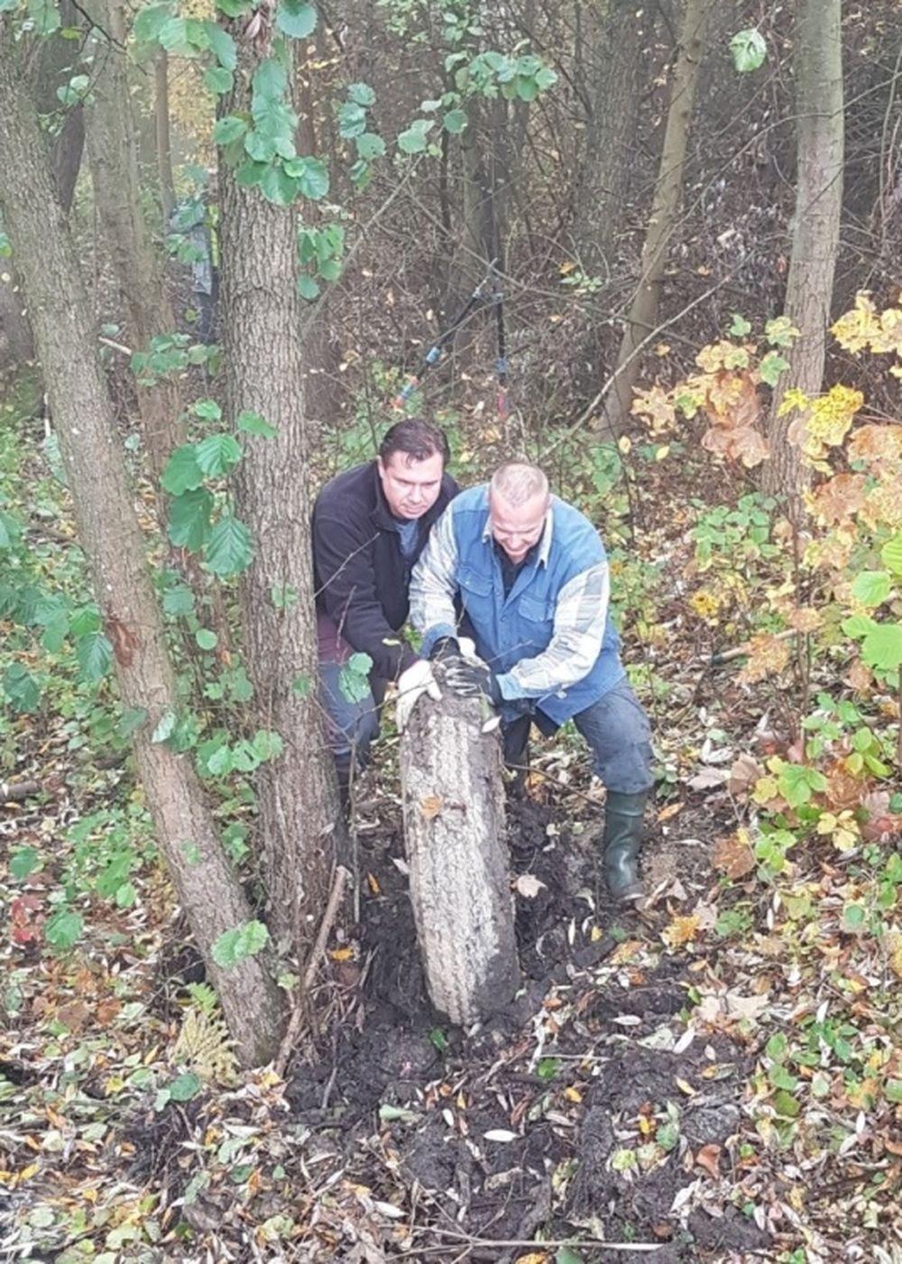 FOTO: Dobrovoľníci opäť vyčistili Čížov jarok v žilinskom lesoparku, foto 9
