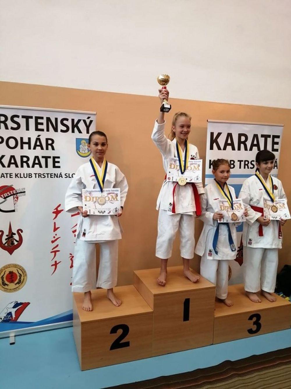 Úspechy AC UNIZA Karate klub Žilina počas októbra, foto 1